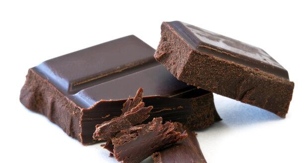 Kvalitní čokoláda by neměla obsahovat žádné ztužené tuky, ale pravé kakaové máslo. A velké množství kakaa.