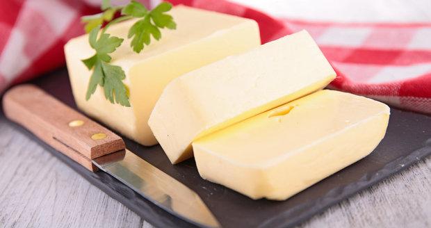 Lidé, kteří se zajímají o hubnutí, mají někdy jasno - máslo je moc tučné, lepší je rostlinný tuk. Jenže je to podstatně složitější.