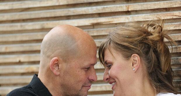 Když se Zdeněk a Zdeňka ve Švýcarsku brali, ještě netušili, co je ve společném životě čeká.
