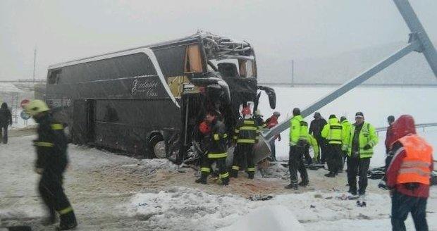 Autobus z Prahy boural na Slovensku: Zemřela Češka a Ukrajinka!