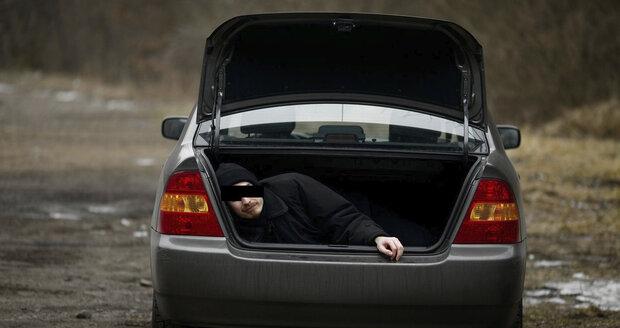 Muže unesli vPraze zabílého dne? Ilustrační foto