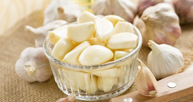 Milujete česnek v jídle, ale váš žlučník protestuje? Se správně vybranou odrůdou se vám to nestane