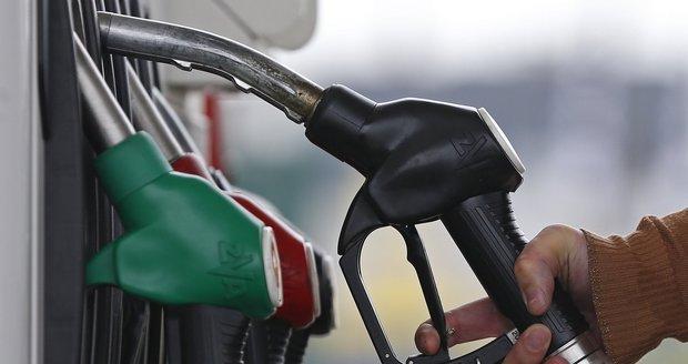 Benzinka v Praze prodávala závadnou naftu s padesátkrát překročeným limitem vody.