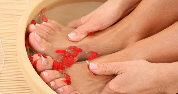 cddc43e542c Domácí pedikúru zvládnete v pohodě a nohy budete mít krásné a zdravé.
