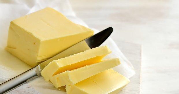 Krize s cenou másla má následky? Kuchař ve Varech ho z hotelu kradl po kilech