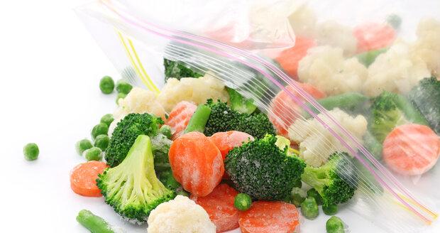 Ani správná teplota vám nebude moc platná, pokud potraviny v mrazničce nebudete mít správně a dostatečně zabalené.