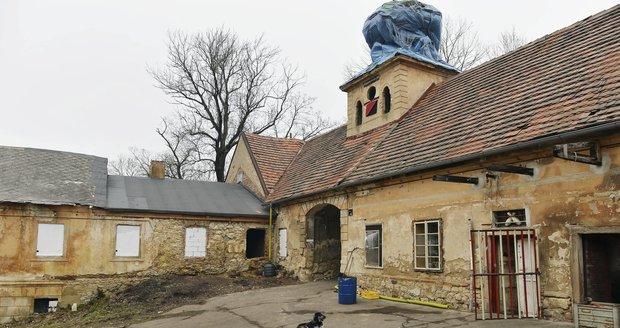 Usedlost Cibulka, jejíž historie sahá do 14. století, je dlouhou dobu neudržovaná.
