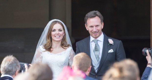 Bývalá členka skupiny Spice Girls Geri Halliwell se vdala za bosse F1