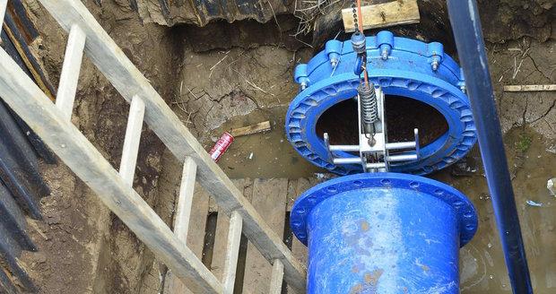 Z Uhříněvsi do Pitkovic by měl vést nový vodovod, který schválili radní hlavního města. Postaven by měl být do 2 let. (ilustrační foto)