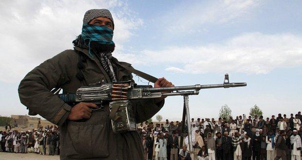 """Spolupráce Talibanu a Moskvy? """"Kdepak,"""" popírají vše teroristé"""