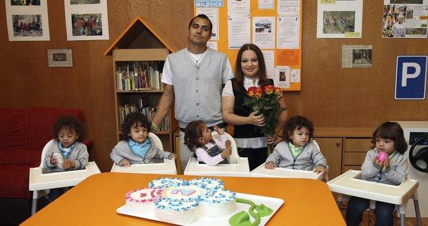 Rodiče Antonín Kroščen a Alexandra Kiňová s dětmi (zleva) Martinem, Alexem, Terezou, Denielem a Michaelem