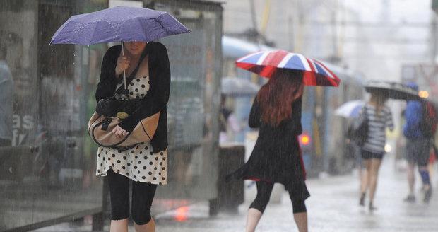 Meteorologové varují před dešti