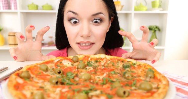 Tohle ne! Musíte se naučit zahánět hlad, když je ještě malý, abyste pak nesnědli příliš mnoho jídla