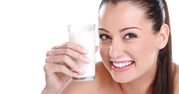 Mléko a mléčné výrobky jsou opředeny mnoha mýty, třeba tím, že jsou pro zdraví nebezpečné. To je ale nesmysl.
