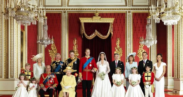 Královská rodina na svatbě Williama a Kate