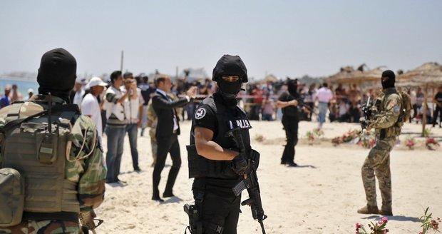 Tunis po teroristických útocích trpí odlivem turistů.