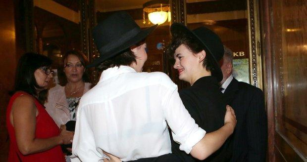 černý židovský lesbička velký péro cum comp