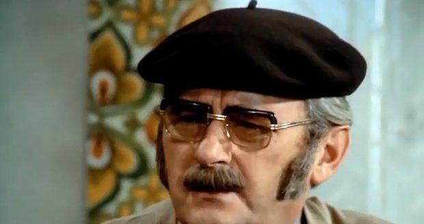 Jen na 12 vteřin sundal Sovák v seriálu svou rádiovku.