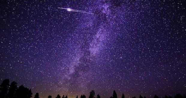 """Nebeská nádhera: Oblohu v noci opanují """"padající hvězdy"""", vidět jich budou stovky"""