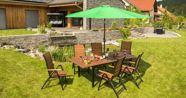 O zahradní nábytek je potřeba se starat - aby dobře vypadal a vydržel na zahradě sloužit co nejdéle.