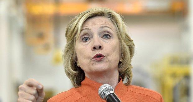 Hillary Clinton ujely nervy. Vystartovala na novináře kvůli e-mailům
