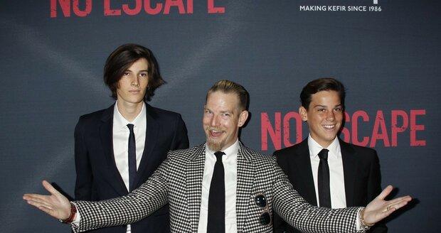 Dylan, Sean a Paris Brosnanovi.