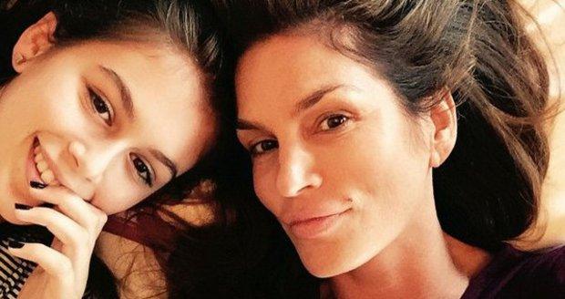 Cindy se svou dcerou Kaiou