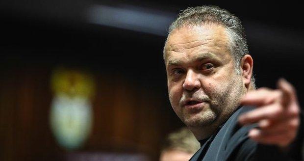 Krejčíř z vězení plánoval několik vražd: Zabít chtěl soudce i detektiva