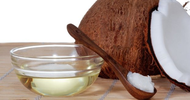 Kokosový tuk má na rozdíl od jiných rostlinných olejů a tuků velmi vysoký obsah nasycených a málo nenasycených mastných kyselin.