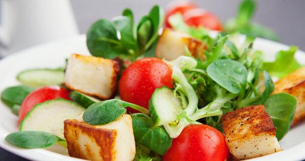 Mnoho lidí nad sójovým tofu ohrnuje nos, přitom je to ale skvělé jídlo, navíc najdete jen málo potravin, které mají tolik lehce stravitelných bílkovin.