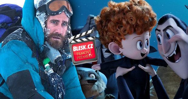 Čtvrteční filmové premiéry: Mrznout budeme na Everestu, ale v Transylvánii se nasmějeme.