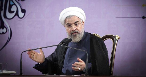 Írán slaví, dnes padnou sankce. Přijde si tak na 100 miliard dolarů