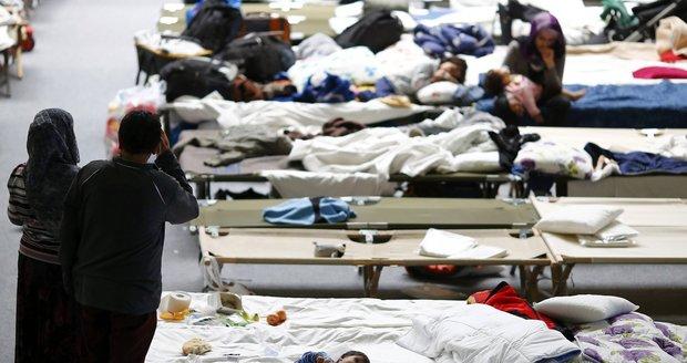 V uprchlických centrech v Německu vládnou zločinecké gangy. Bijí se a znásilňují