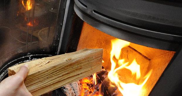 Topíte v zimě dřevem? Tipy, na které byste přitom neměli zapomínat!