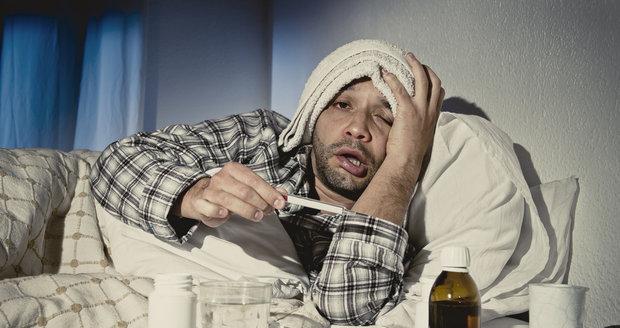 Jak je možné, že se zlomenou nohou jsou schopni dohrát zápas, ale rýma je skolí do postele?