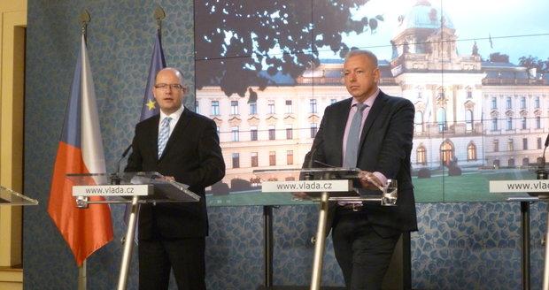 V Česku platí první stupeň ohrožení terorismem. Nasazeno bude 550 vojáků