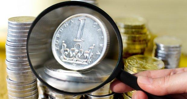 Mincím a bankovkám brzy odzvoní. Kdy v Česku skončí?