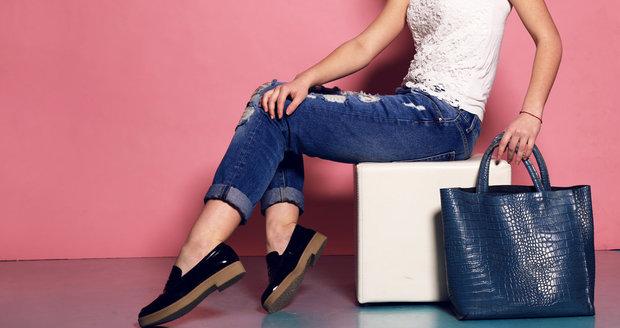 Kabelka a boty už dávno nemusí ladit. A jaká další módní pravidla už neplatí?