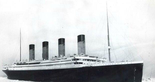 Titanic se potopil 15. dubna 1912.