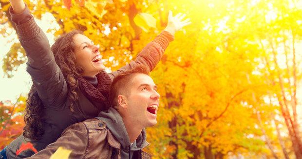 Nejen psychickému, ale i fyzickému zdraví prospěje trocha legrace a objetí.
