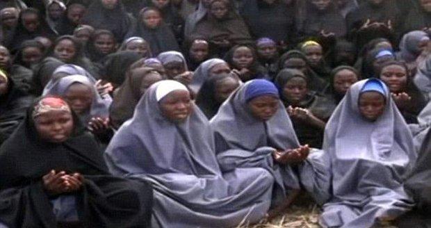 Znásilněna a nakažena nemocemi. Těhotná školačka vězněná Boko Haram promluvila