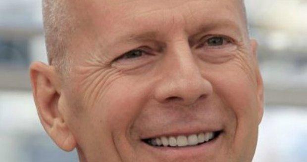 Herec Bruce Willis by rád ještě zplodil syna.