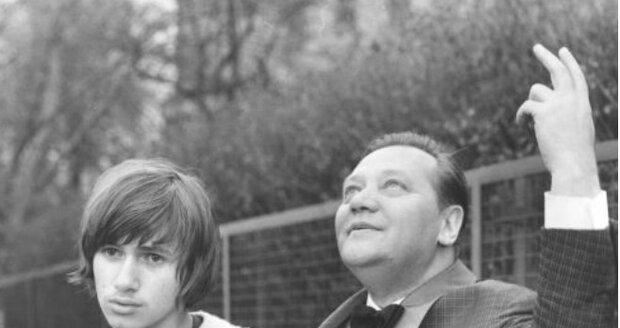 1970: Otec Rudolf a patnáctiletý syn Jan ve filmu Lítost řeší generační spory.