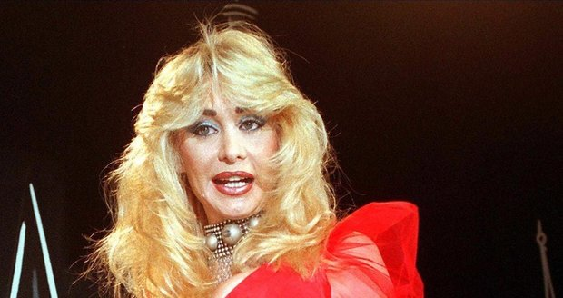 V roce 1997 získala v Dolly cenu udílenou německým pornoprůmyslem.