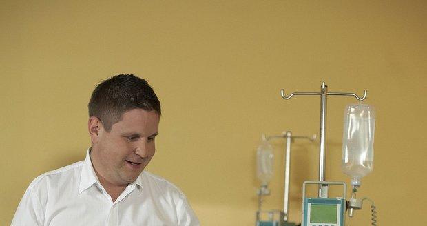 Doktorem je Michal Novotný jen v seriálu.
