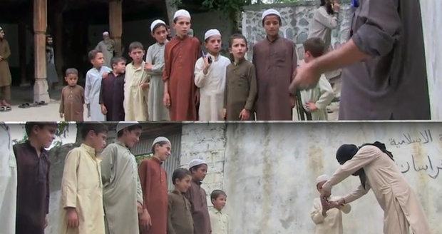 Děsivé záběry z výcvikového tábora ISIS: Z těchto dětí budou sebevražední atentátníci