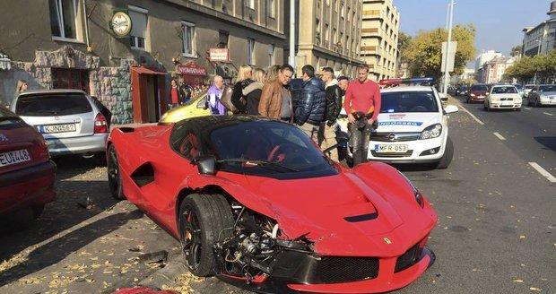 Boháč sešrotoval LaFerrari: Auto za 60 milionů si užil jen jeden měsíc