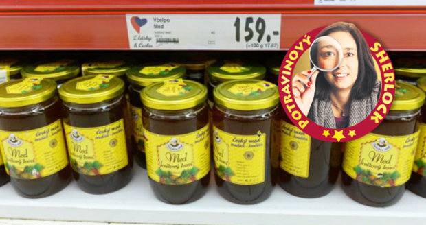 Dědečkův med mizí z regálu Kauflandu. Globus ještě vyčkává.