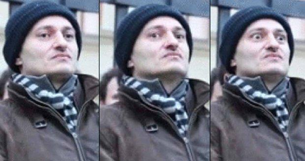 Martin Konvička baví internet svými obličeji.