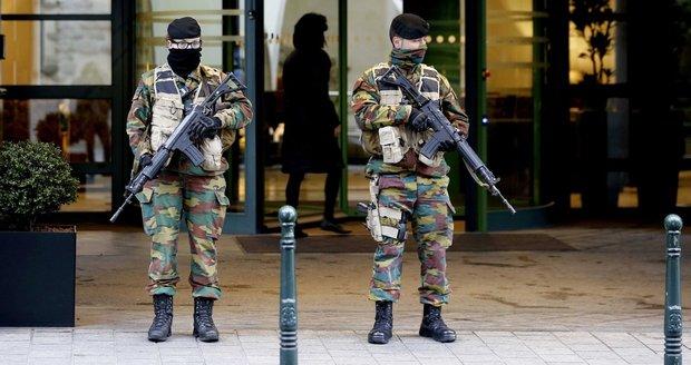 Kromě teroristů musí hlídat i vězně: Belgičtí vojáci se začínají bouřit